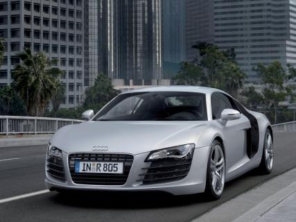 Audi R8: цена на суперкар вполне доступна